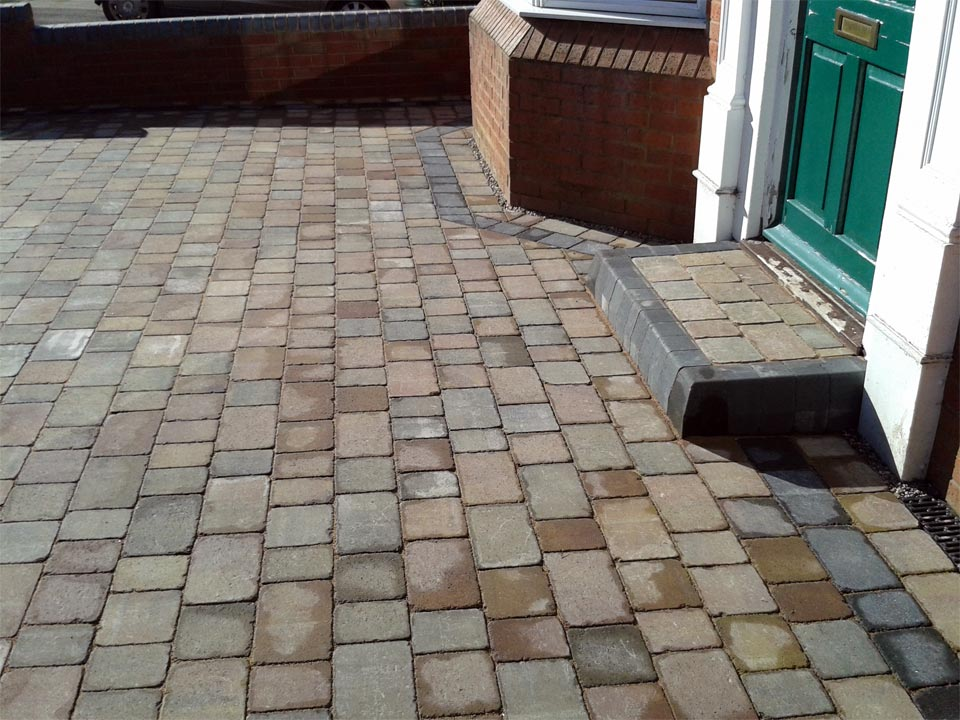 Cobble Paving With Step