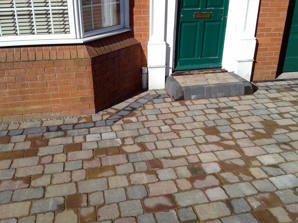 Cobble Paving Step